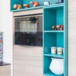 cuisine moderne d'une maison en bois